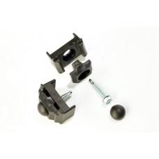 3-osaline plastist kinnitusklamber 40x60 postile, must